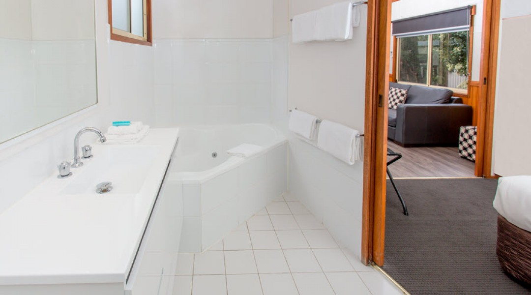 BIG4 Melbourne Accommodation One Bedroom Spa Cottage 2 berth 900px 17